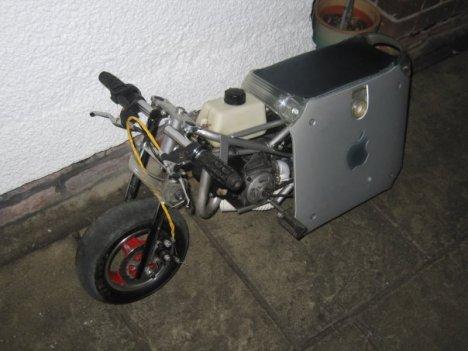 PowerMac G4 Bike To Rule The Streets