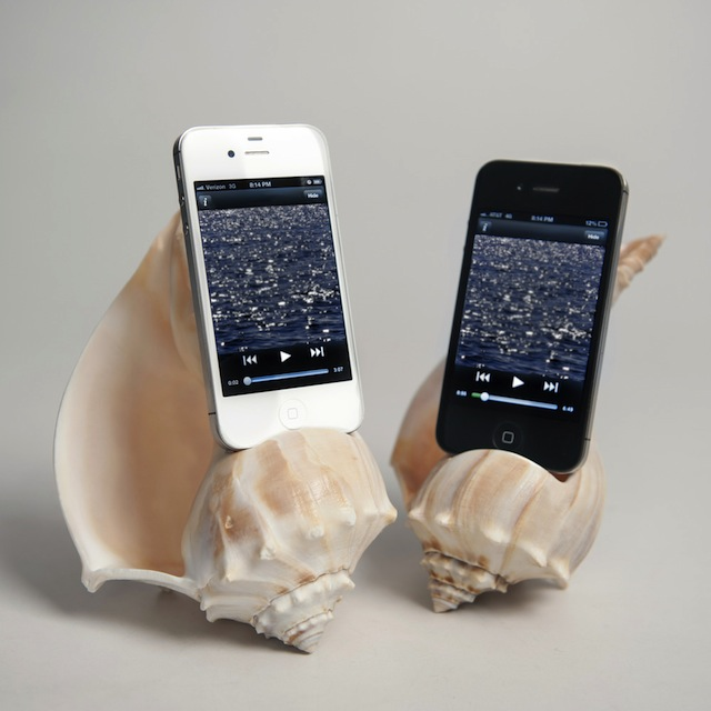 iphone-speaker-seashell