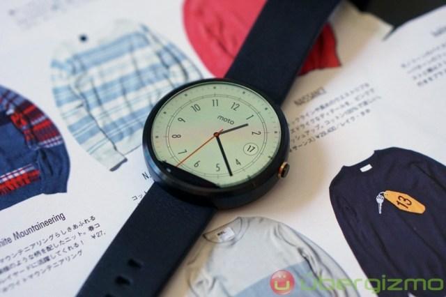 moto-360-smartwatch-review-1