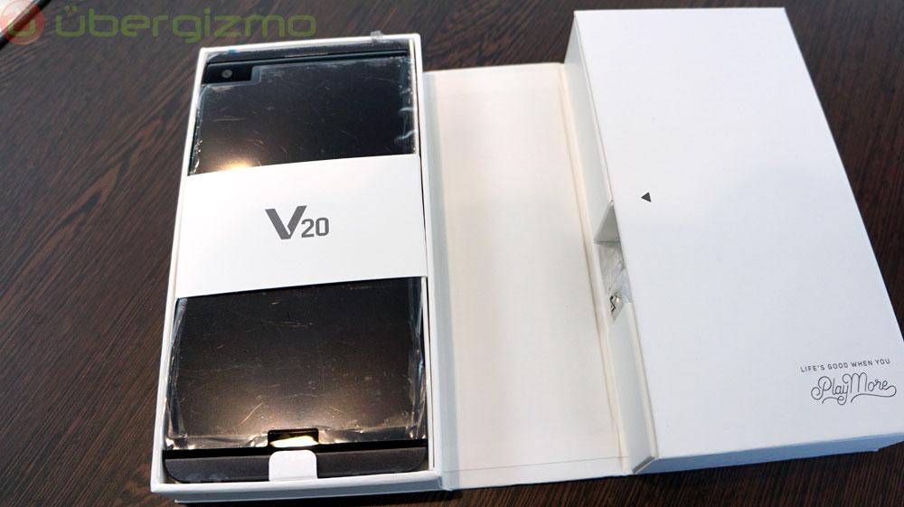 LG V20 Review | Ubergizmo