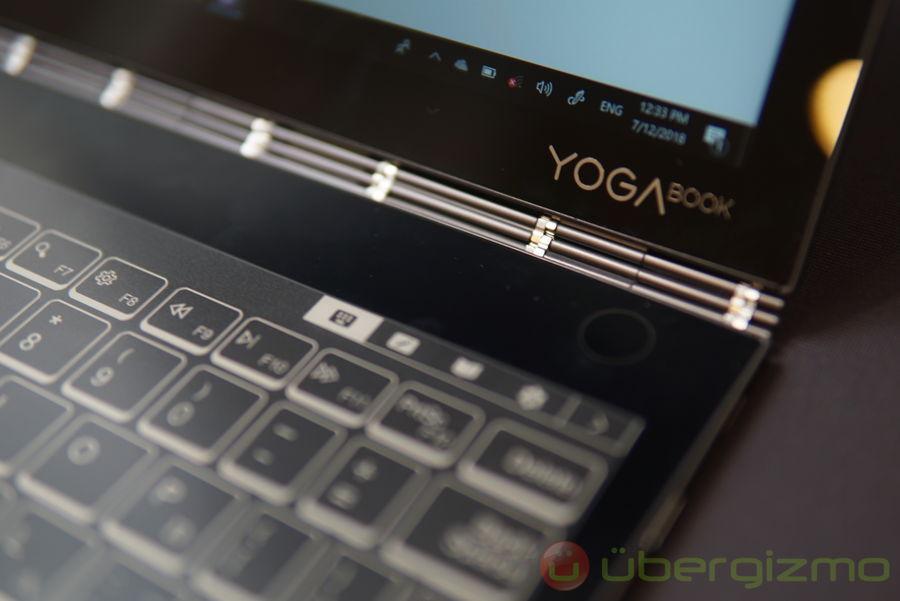Lenovo Yoga Book C930 Has E-ink Secondary Display | Ubergizmo