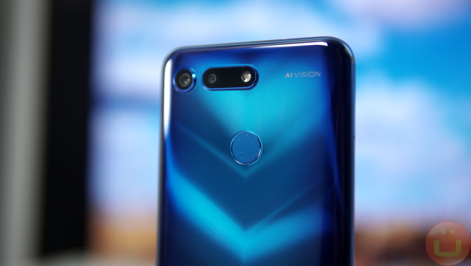 Honor View 20 Review | Ubergizmo