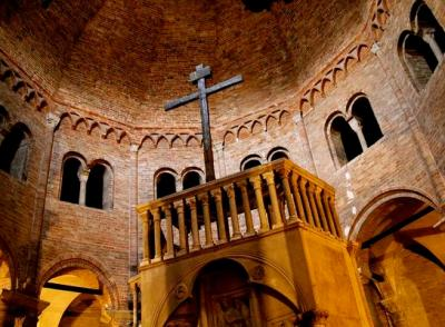Bologna-Santo-Stefano-santo-sepolcro