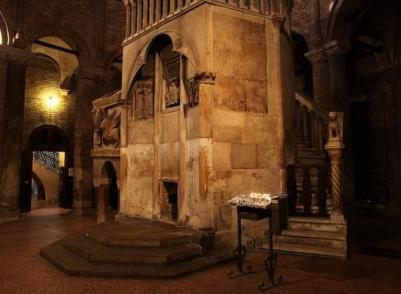 Bologna-Santo-Stefano-sepolcro