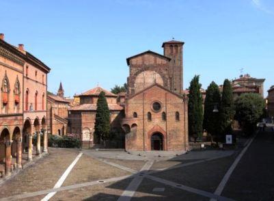 Bologna-piazza-Santo-Stefano