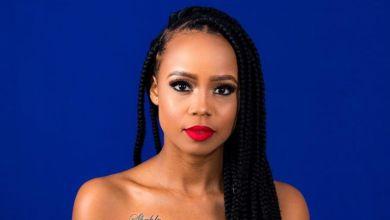 Photo of Ntando Duma Recieves Her EFF Artist Relief Pay Cheque
