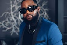 Photo of Cassper Replies Tweep Who Asked If He Thinks He's On The Same Level As Drake