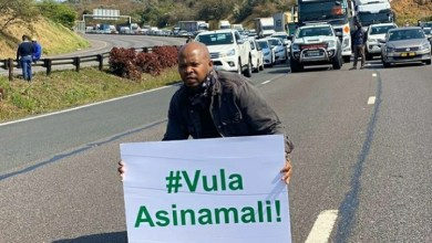Photo of Here's Why The Police And Artists Clashed During #Vulapresident Protest On N3 Freeway, Durban