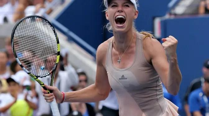 Caroline Wozniacki dopo aver battuto Maria Sharapova (foto Art Seitz)