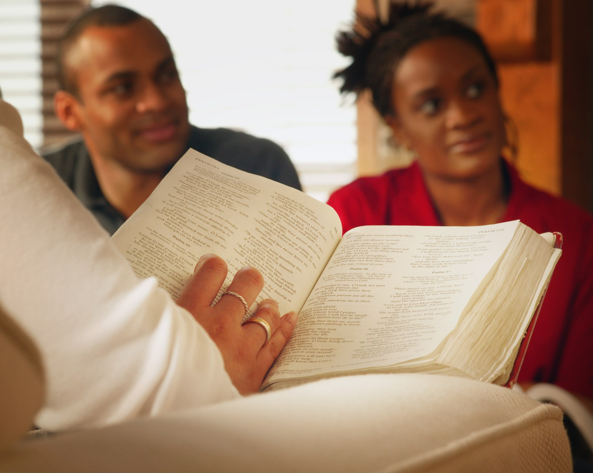 hight resolution of young people studying the bible