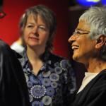 """ليليان لاندور (إلى اليمين) مديرة خدمة """"بي بي سي"""" العالميّة"""