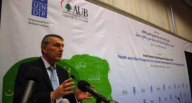 50% من المتخرّجين يفضلون الهجرة من لبنان للعمل في الخارج