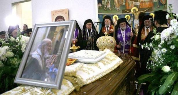 مأتم لكبوجي وعون منحه وسام الأرز الوطني غريغوريوس الثالث: بطل القضية الفلسطينية