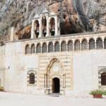 دير مار أنطونيوس قزحيا في زغرتا-شمال لبنان
