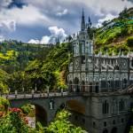 بالصّور: كنيسة الوردية الأجمل في العالم على قمم جبال كولومبيا
