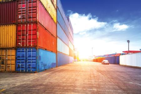 إرتفاع العجز في الميزان التجاري يعكس تعقيدات الوضع
