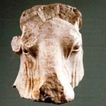 الثقافة تبلغت إمكانية استرداد منحوتة رأس ثور من نيويورك وستواصل جهودها لاستعادة القطع الأثرية المنهوبة خلال الحرب