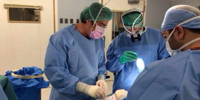 زراعة 3 أجهزة OCCLUTECH بلا جراحة لسد الثقوب في قلب طفل في AUBMC