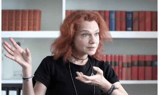 الكاتبة التركية أسلي أردوغان قلقة: بلادي تُشبه ألمانيا قبل اشتداد النازية