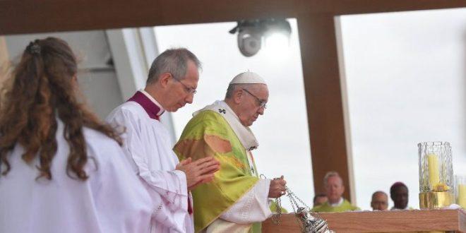 البابا فرنسيس يختتم اللقاء العالمي للعائلات في دبلن