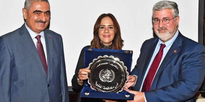 فضلو خوري تسلم جائزة منظمة الصحة لليوم العالمي للامتناع عن تعاطي التبغ 2018