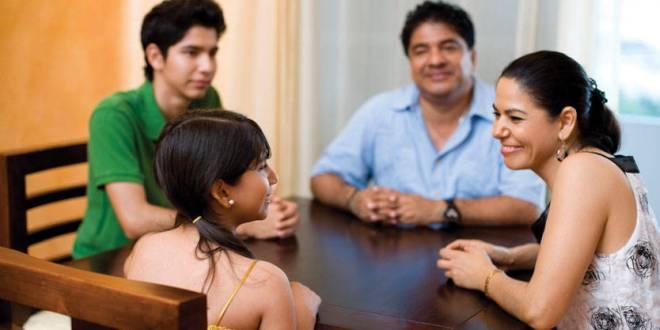 الدعم العاطفي يبدأ من العائلة