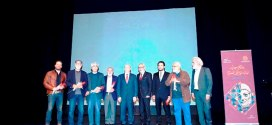 الصمد ممثلا الخوري في اختتام مهرجان لبنان الوطني للمسرح: الحلم مكمل لسنوات ولراود المسرح لا تهجروه
