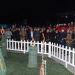 صور احتفلت بإضاءة شجرة الميلاد والزينة