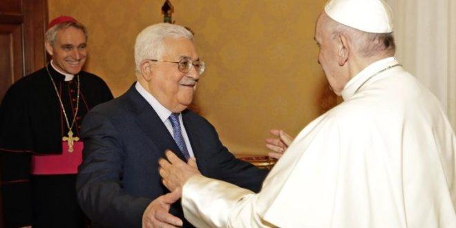 البابا فرنسيس يستقبل الرئيس الفلسطيني محمود عباس