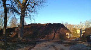 U City mulch pile