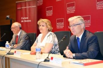 De izqda. a dcha.: Ernesto Martínez, María Ángeles Zurilla y José Albaladejo