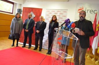 El director del IREC en el acto en el que también intervinieron el vicerrector de Investigación de la UCLM, el vicepresidente del CSIC y la alcaldesa de Ciudad Real