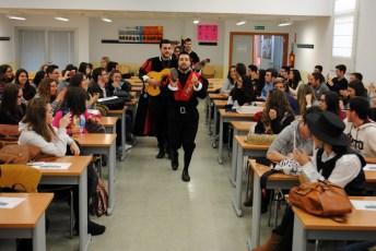 Entrando en una de las aulas de la Facultad de Educación de Albacete