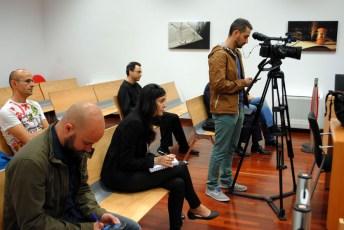 Compañeros de medios y asistentes