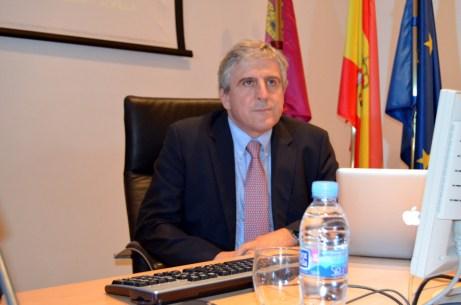 José López Barneo, poco antes de iniciar su conferencia