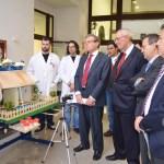 Visita a la exposición de prototipos diseñados por los doctorandos del Departamento de Ingeniería Química