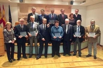 Foto de grupo de los nuevos socios de honor de la Biblioteca de Castilla-La Mancha