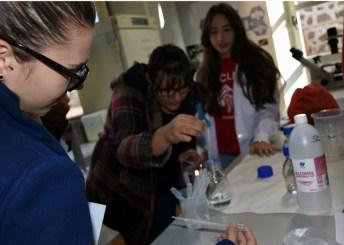 Participan como monitores alrededor de 150 estudiantes y 50 profesores de la Facultad