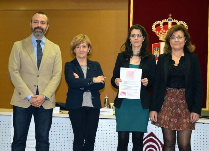 Ana Carretero, junto a los decanos de las facultades de Relaciones Laborales, Económicas y Empresariales y Derecho