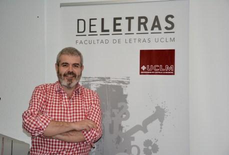Lorenzo Caprile, antes de su charla en la Facultad de Letras
