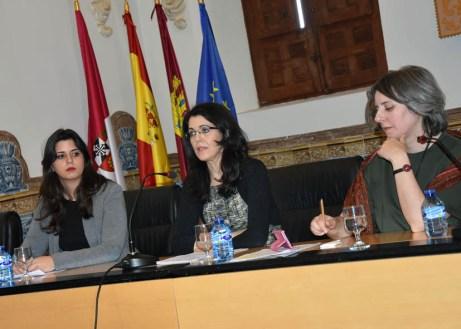Participantes en el acto institucional