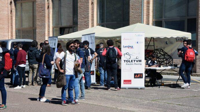 La Delegación de Estudiantes ha organizado una clase magistral de zumba, tirolina y conciertos, entre otras actividades.