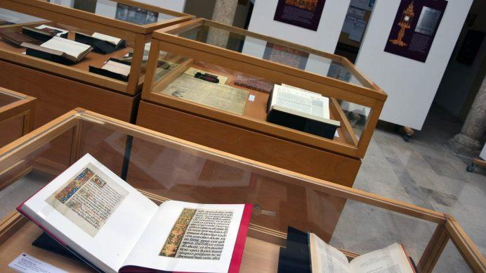 La exposición y el seminario conmemoran el quinto centenario de la muerte del cardenal.
