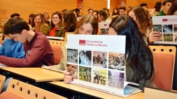 Estudiantes y profesores participando de las jornadas