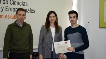 Entrega_premios_XIjuegobolsa (4)