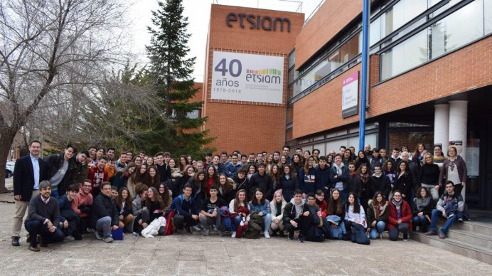 Participantes, profesores y equipo directivo de la ETSIAM © Gabinete de Comunicación UCLM