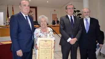 María Dolores Cabezudo ha sido nombrada hoy académica de honor de la Academia castellano-manchega de Gastronomía © Gabinete de Comunicación UCLM