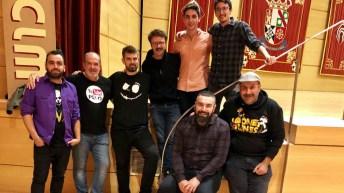 El ganador -segundo por la izquerda- y el segundo clasificado -primero por la izquierda-, con el resto de finalistas, Rober Bodegas y Agustín Durán © Gabinete de Comunicación UCLM