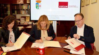 Firma del convenio © Gabinete de Comuniación UCLM