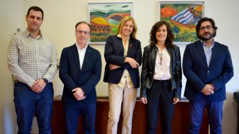 Representantes de la UCLM y del Ayuntamiento de Calzada de Calatrava © Gabinete de Comuniación UCLM